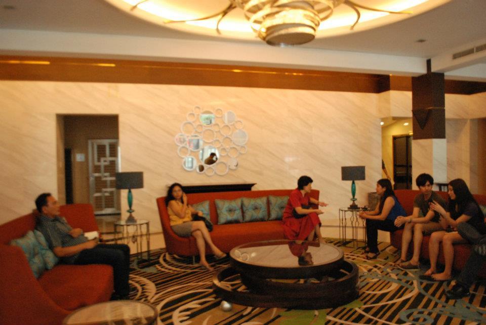 FOR SALE: Apartment / Condo / Townhouse Manila Metropolitan Area > Makati 8