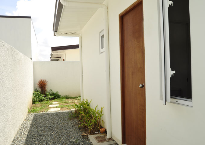 FOR SALE: House Tarlac 5