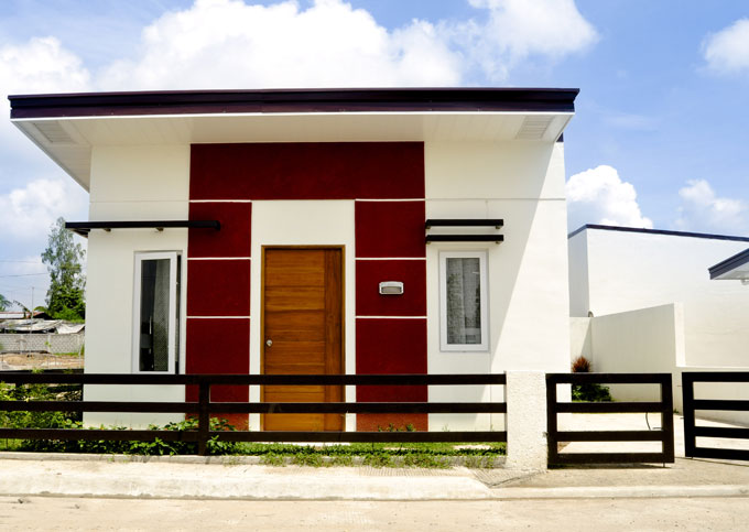 FOR SALE: House Tarlac 8