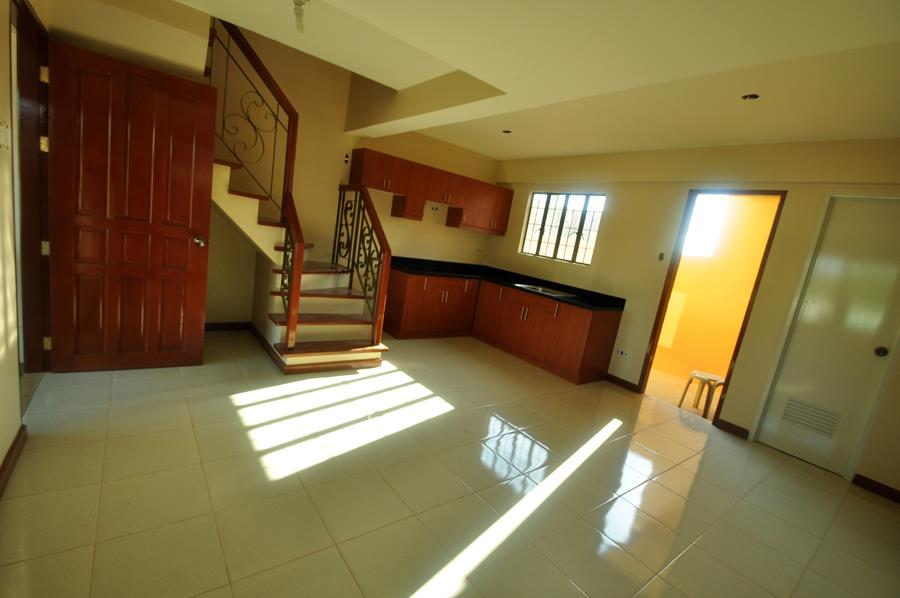 FOR SALE: Apartment / Condo / Townhouse Rizal > Cainta 3