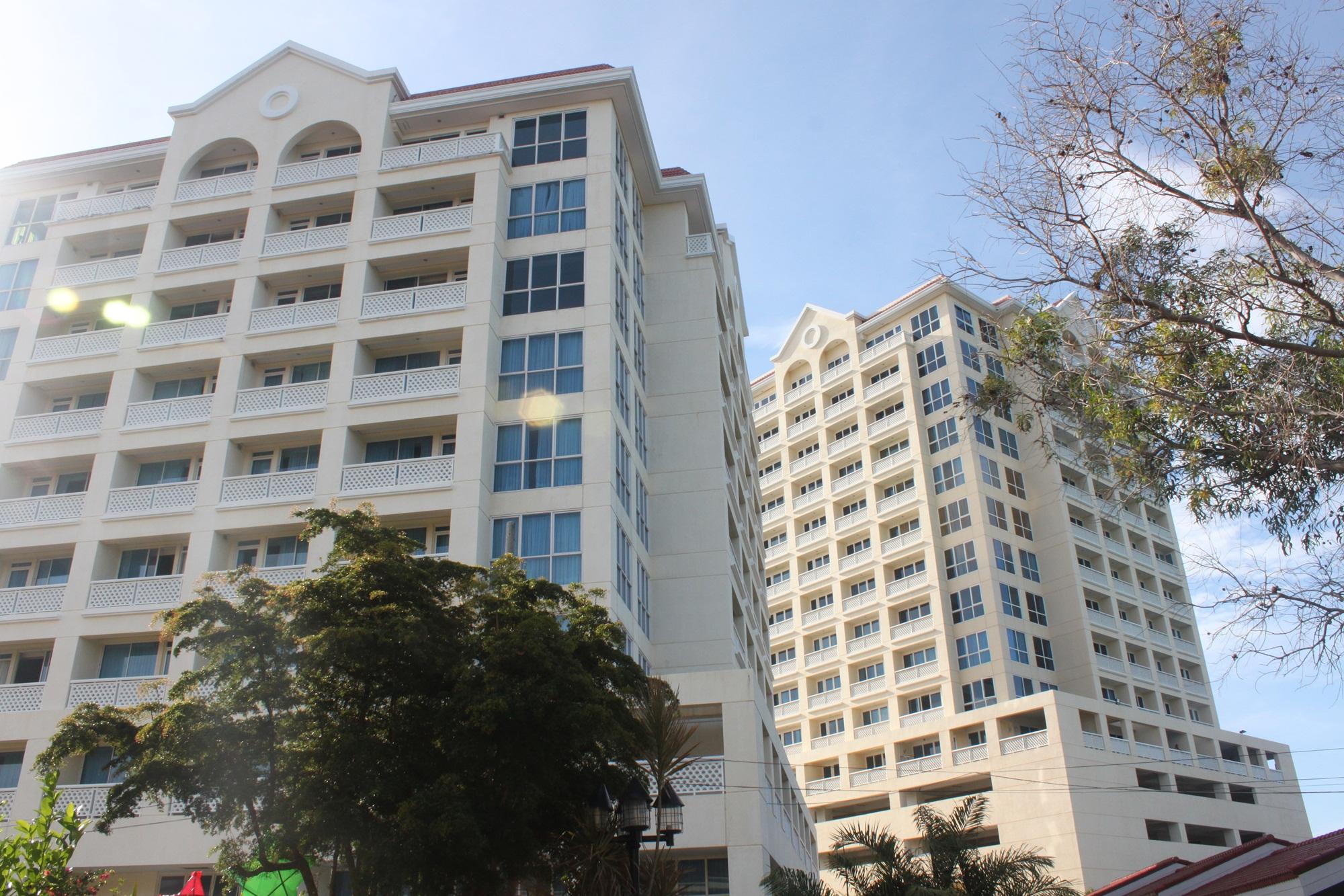 La Mirada Condominium