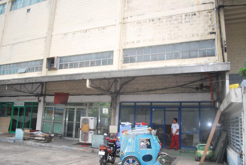 FOR RENT / LEASE: Office / Commercial / Industrial Manila Metropolitan Area > Mandaluyong