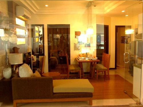 RENT TO OWN: Apartment / Condo / Townhouse Manila Metropolitan Area > Makati