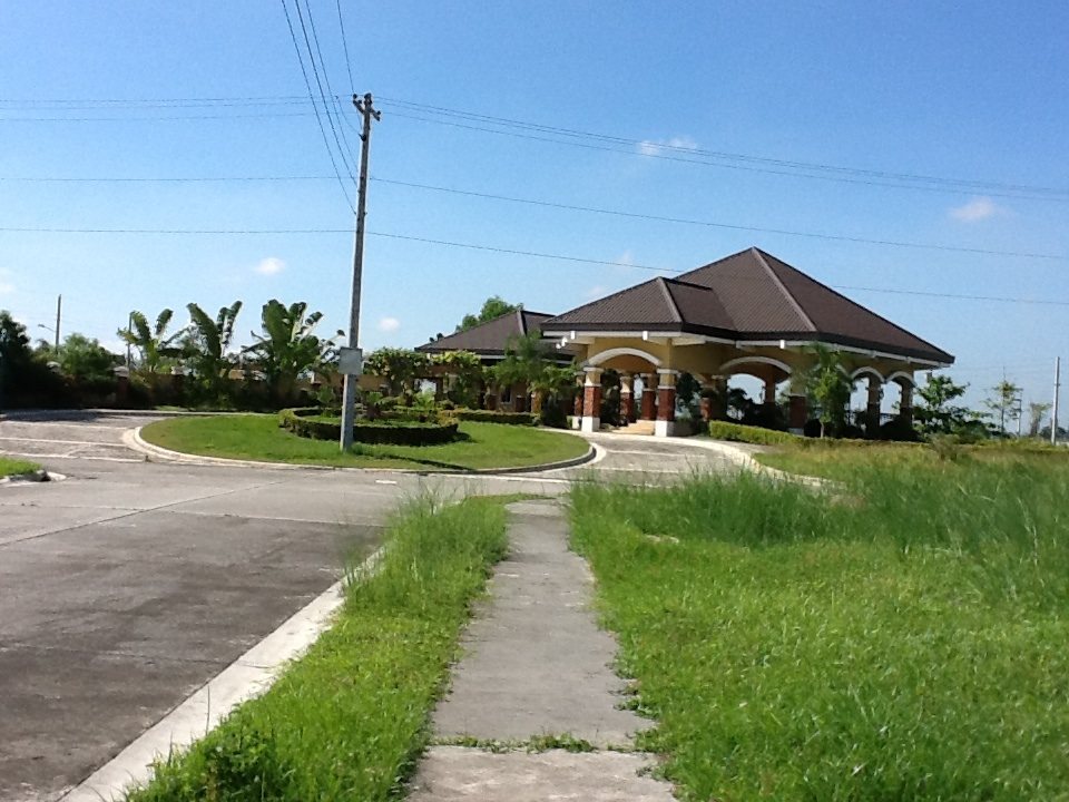 FOR SALE: Lot / Land / Farm Pampanga > Other areas 10