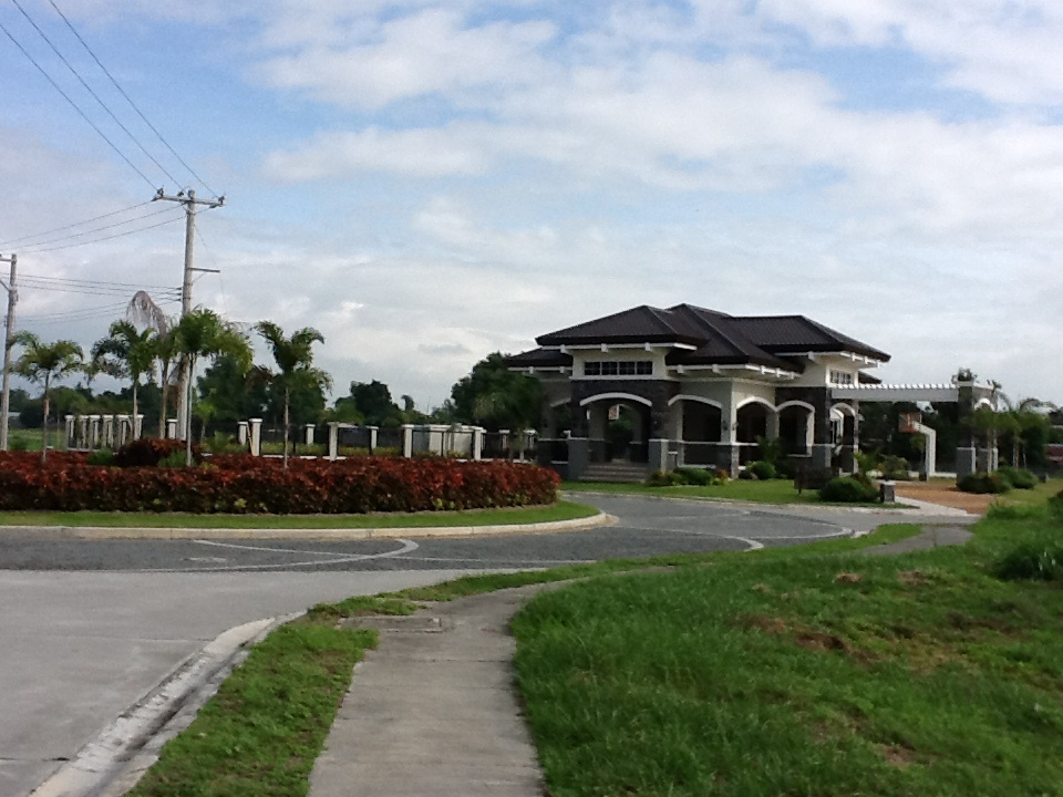 FOR SALE: Lot / Land / Farm Pampanga > Angeles City 13