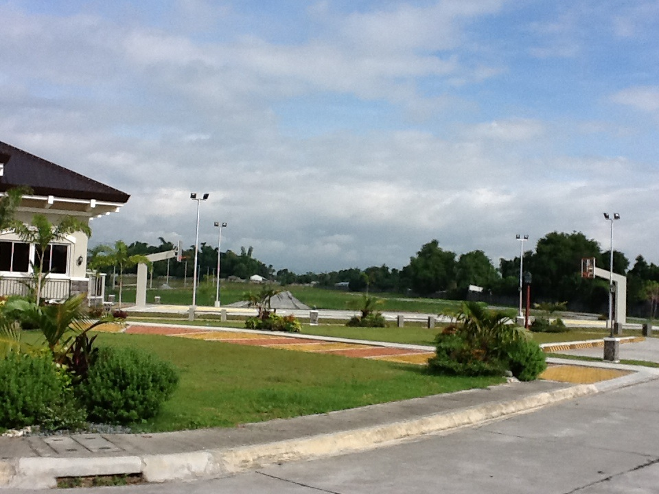 FOR SALE: Lot / Land / Farm Pampanga > Angeles City 18