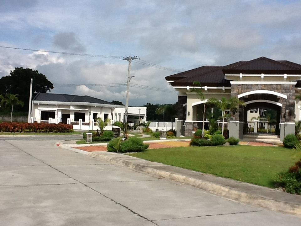 FOR SALE: Lot / Land / Farm Pampanga > Angeles City 21