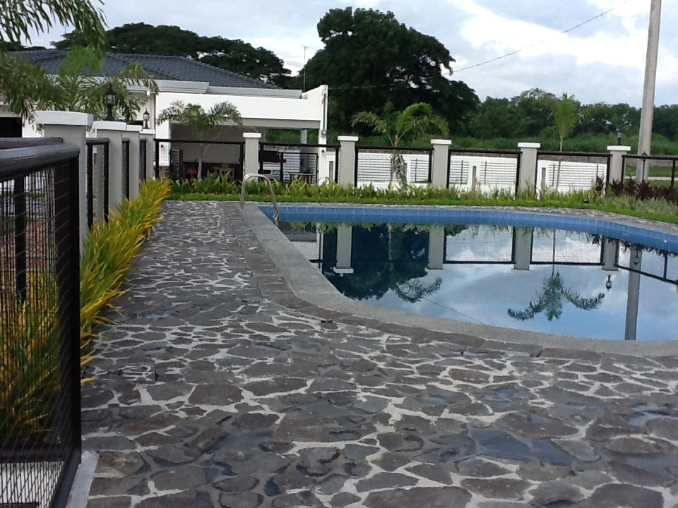 FOR SALE: Lot / Land / Farm Pampanga > Angeles City 25