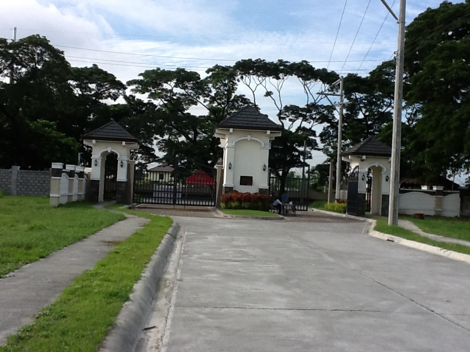 FOR SALE: Lot / Land / Farm Pampanga > Angeles City 14