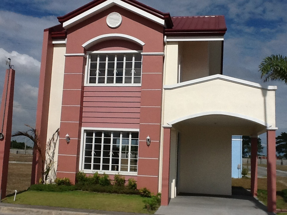 FOR SALE: House Pampanga > San Fernando