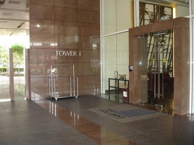 Columns lobby