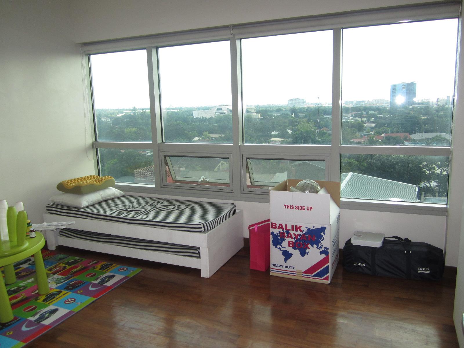 FOR SALE: Apartment / Condo / Townhouse Manila Metropolitan Area > Makati 9