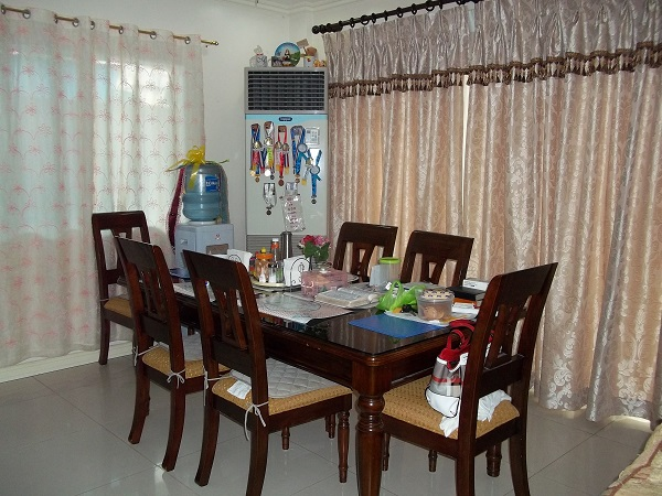 FOR RENT / LEASE: House Cebu > Other areas 3