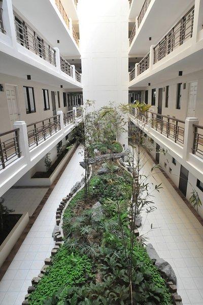 single loaded corridor