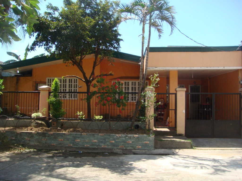 FOR RENT / LEASE: House Manila Metropolitan Area > Las Pinas 1