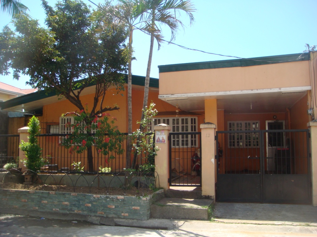 FOR RENT / LEASE: House Manila Metropolitan Area > Las Pinas 2