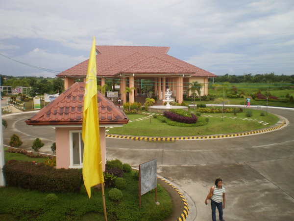FOR SALE: House Cavite 38