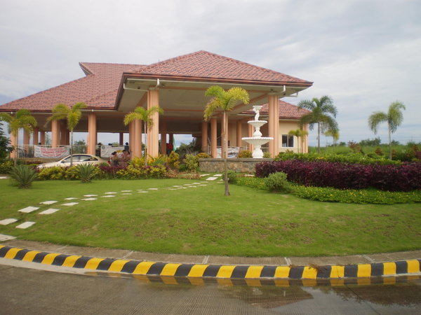 FOR SALE: House Cavite 39