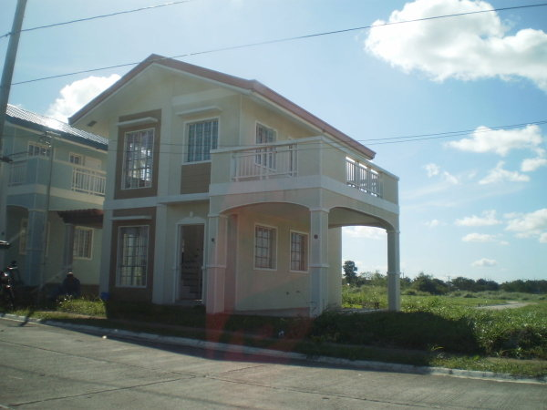 FOR SALE: House Cavite 15