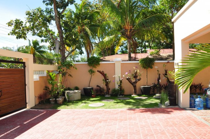 FOR SALE: House Iloilo > Other areas 6