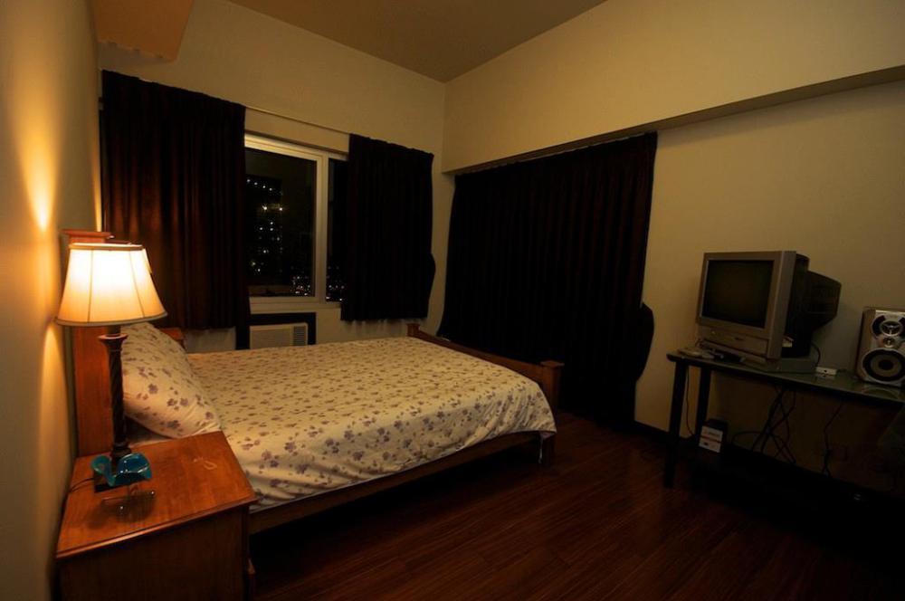 FOR SALE: Apartment / Condo / Townhouse Manila Metropolitan Area > Pasay 5