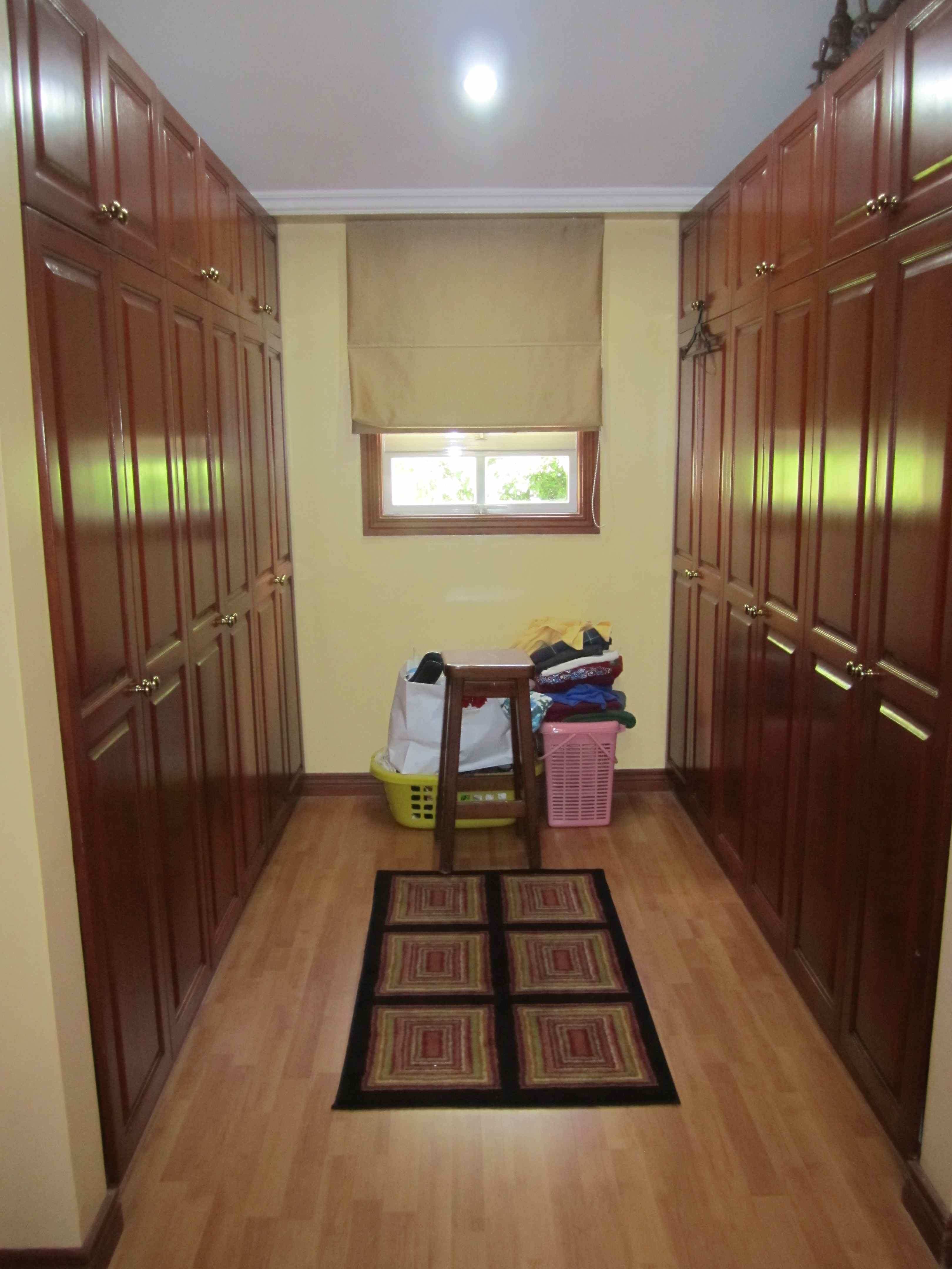 FOR SALE: House Abra 24
