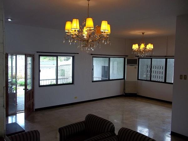 FOR RENT / LEASE: House Cebu > Cebu City 11