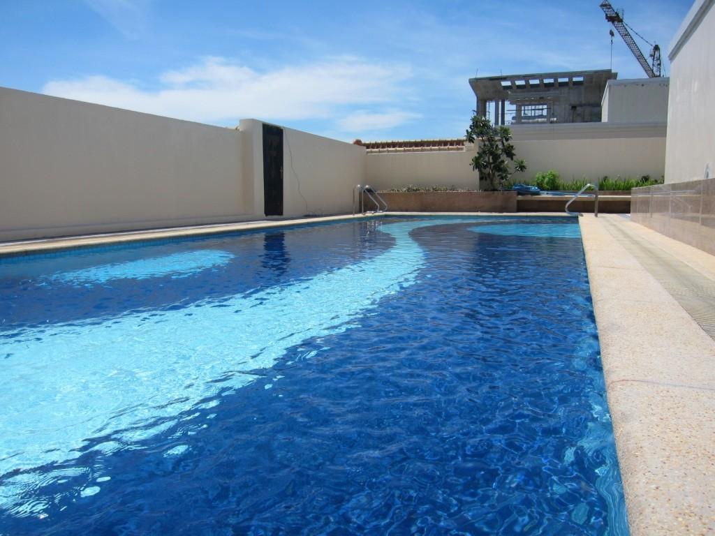 Stamford Residences Pool