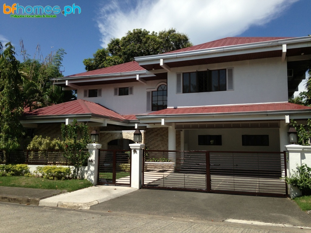 3 Bedrooms Furnished House for Rent in Ayala Alabang Village.
