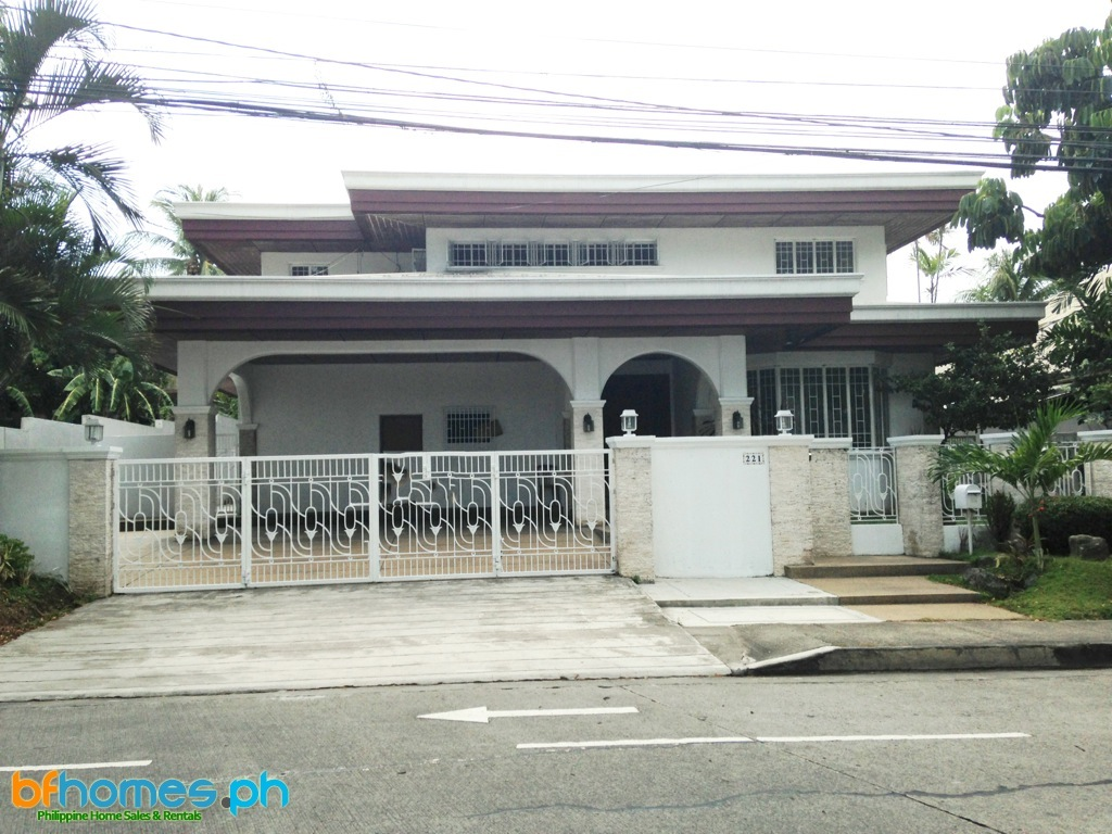 4 Bedroom House with Pool at 130K a month in Ayala Alabang Muntinlupa City.