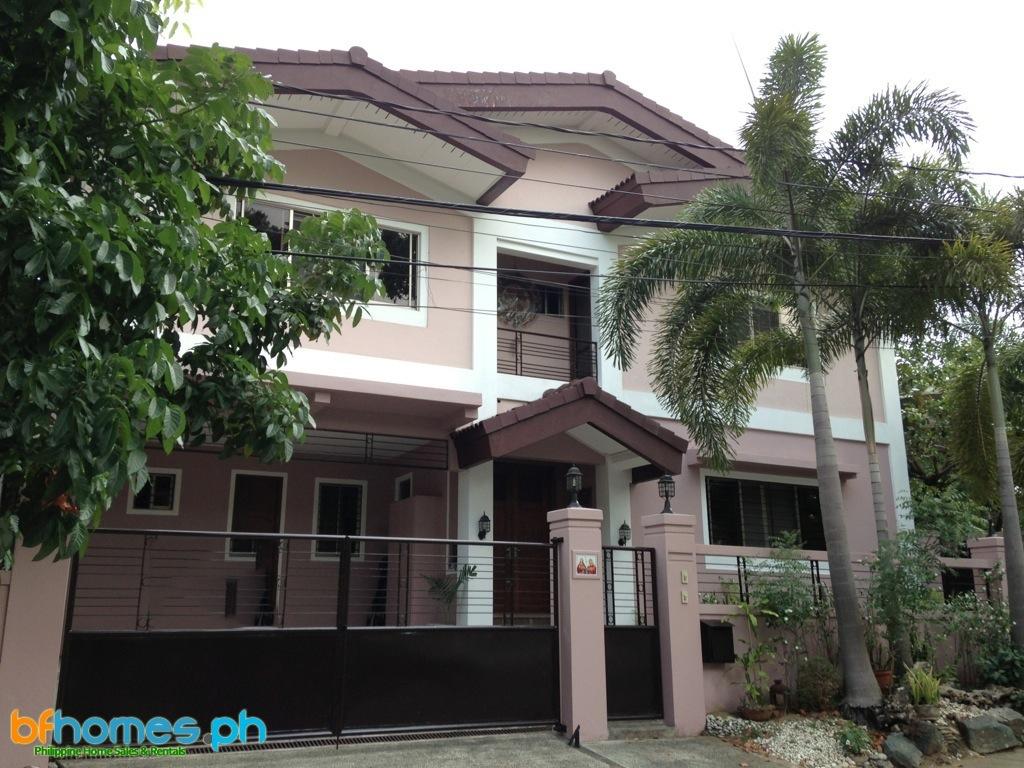 Semi-Furnished house for rent in Ayala Alabang Village.