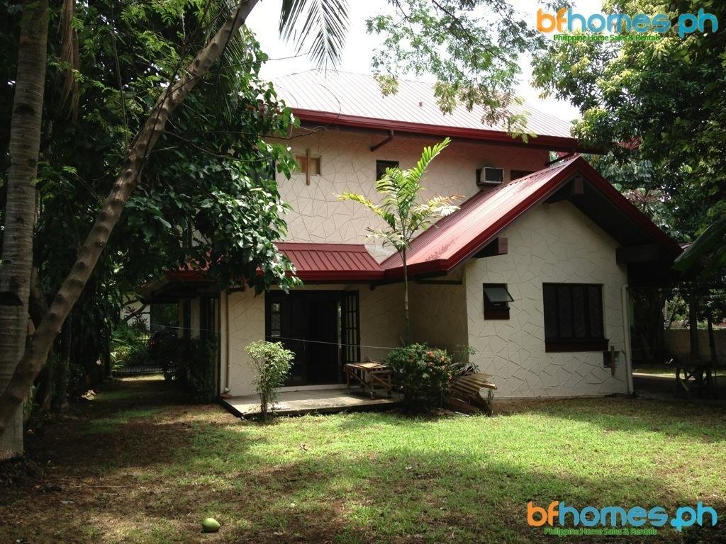 Ayala Alabang 2 Storey 3 Bedroom House for Rent for 50K.