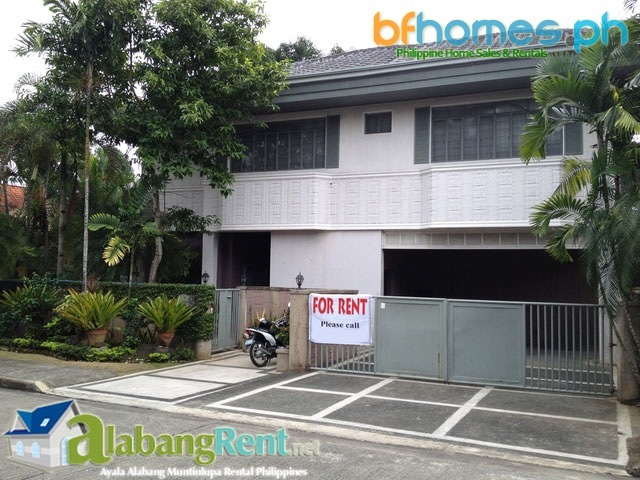 Fully Furnished well Maintained House in Ayala Alabang Muntinlupa at 190k.