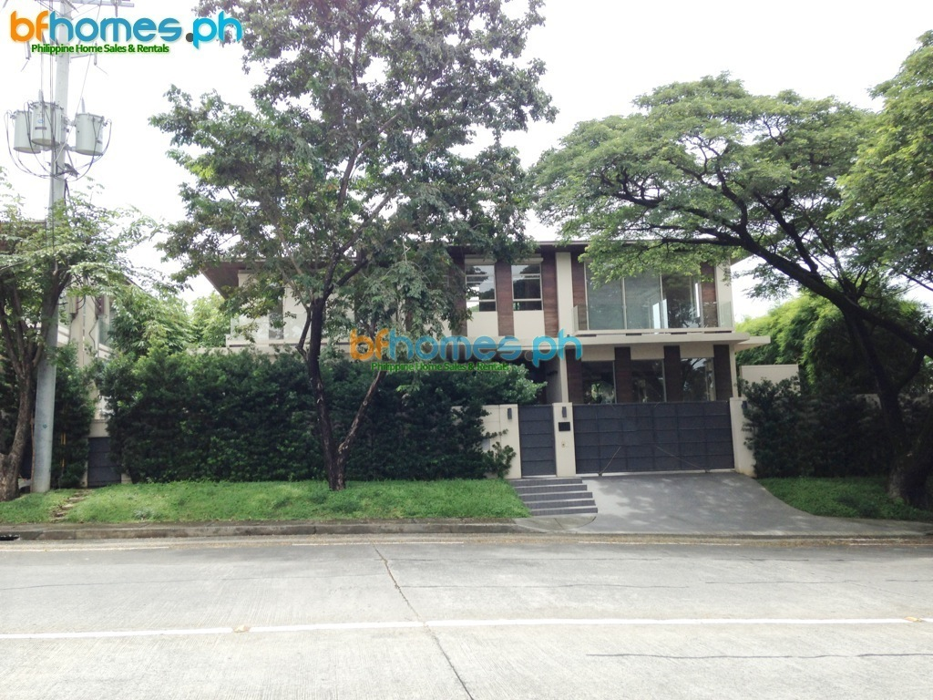 2 years OLD Modern House for Rent in Ayala Alabang Village.