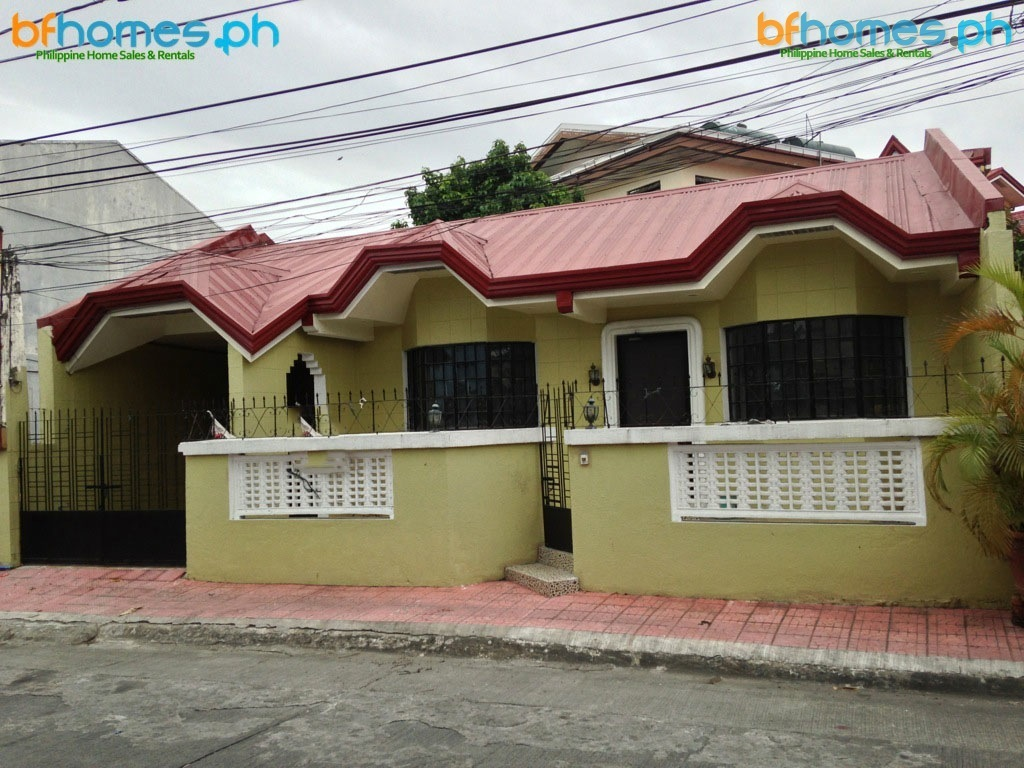 BF Resort Well Maintain Bungalow with 238sqm Lot for Sale.
