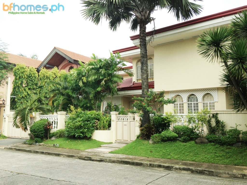 Newly Refusbished Semi-Furnished House with Pool in AAV Muntinlupa.