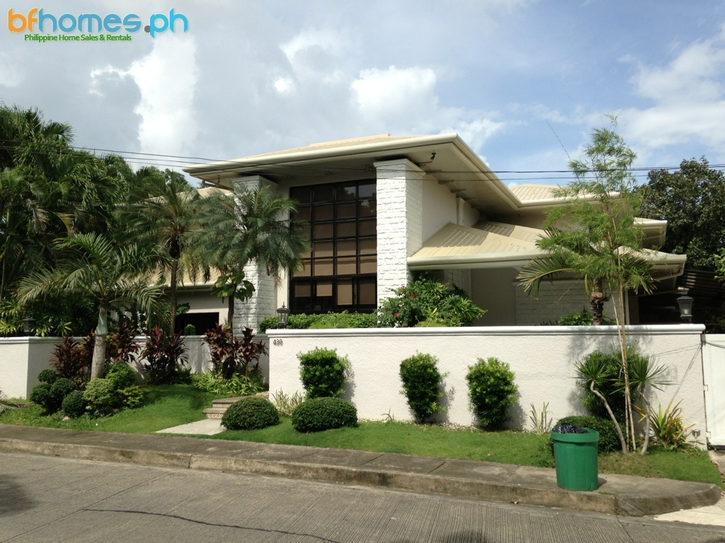 4 Bedroom House for Rent in Ayala Alabang Village.