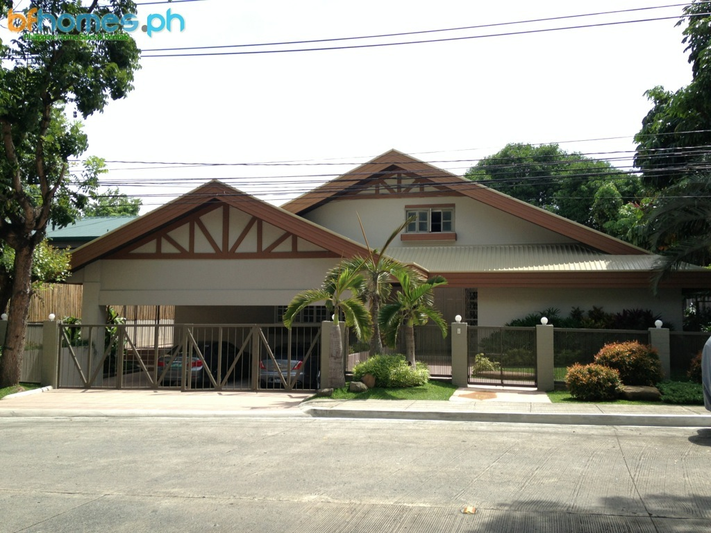 Newly Renovated 4 Bedroom House for Rent in Ayala Alabang Near Zobel.