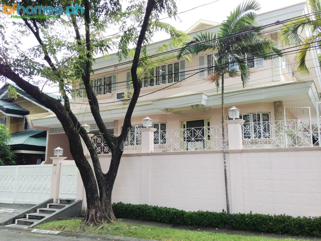 Fully Furnished House for Lease in Ayala Alabang.