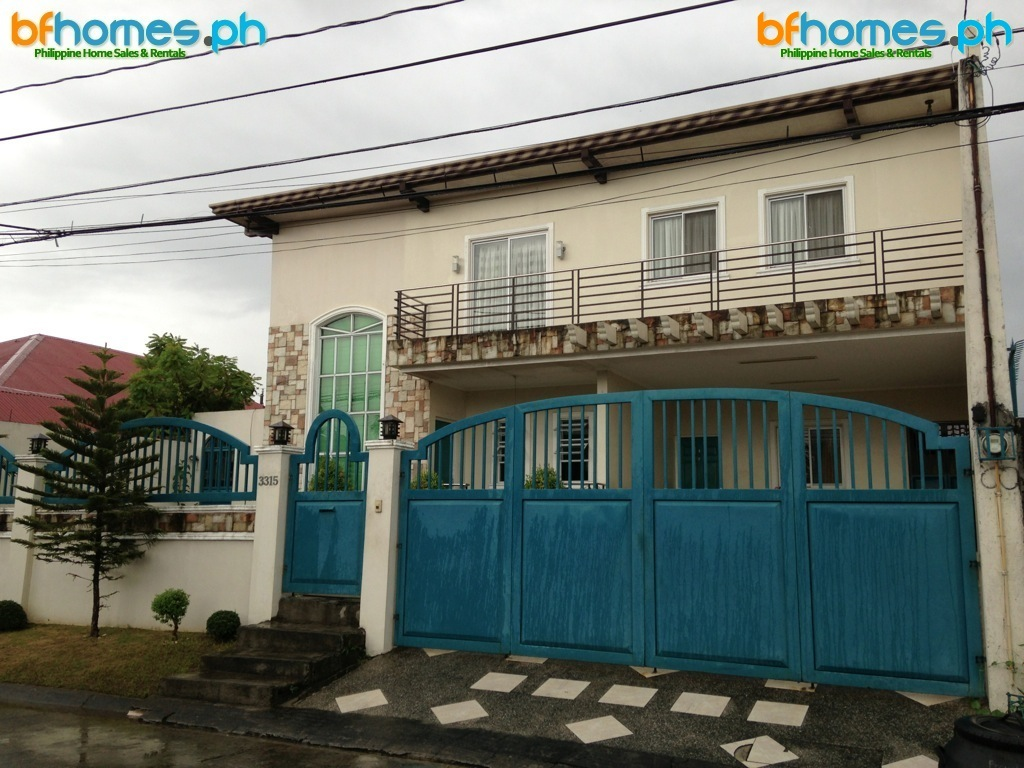 Fully Furnished House for Sale in BF Resort Village, Las Pinas City.