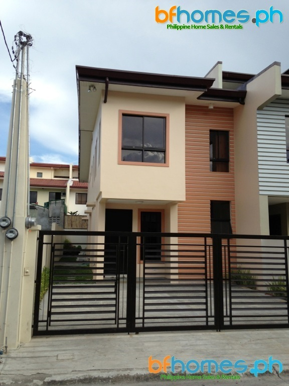 Brandnew 2story End Unit Triplex in BF Resort Las Pinas.