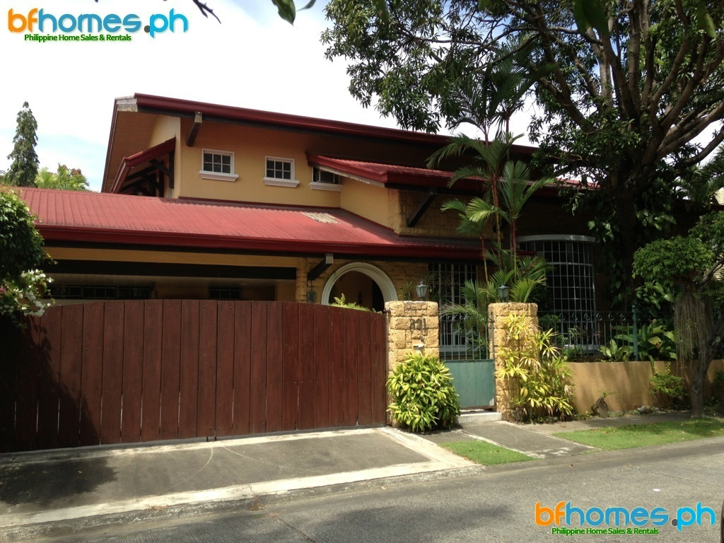 3 Bedrooms House for Sale in Ayala Alabang Village.