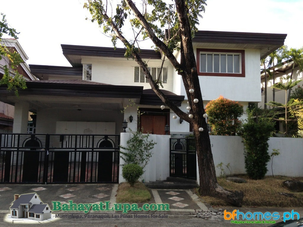 2 Storey House for Sale in Ayala Alabang Village.