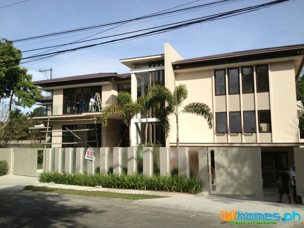Buy House Philippines, Ayala Alabang Brandnew House for Sale.