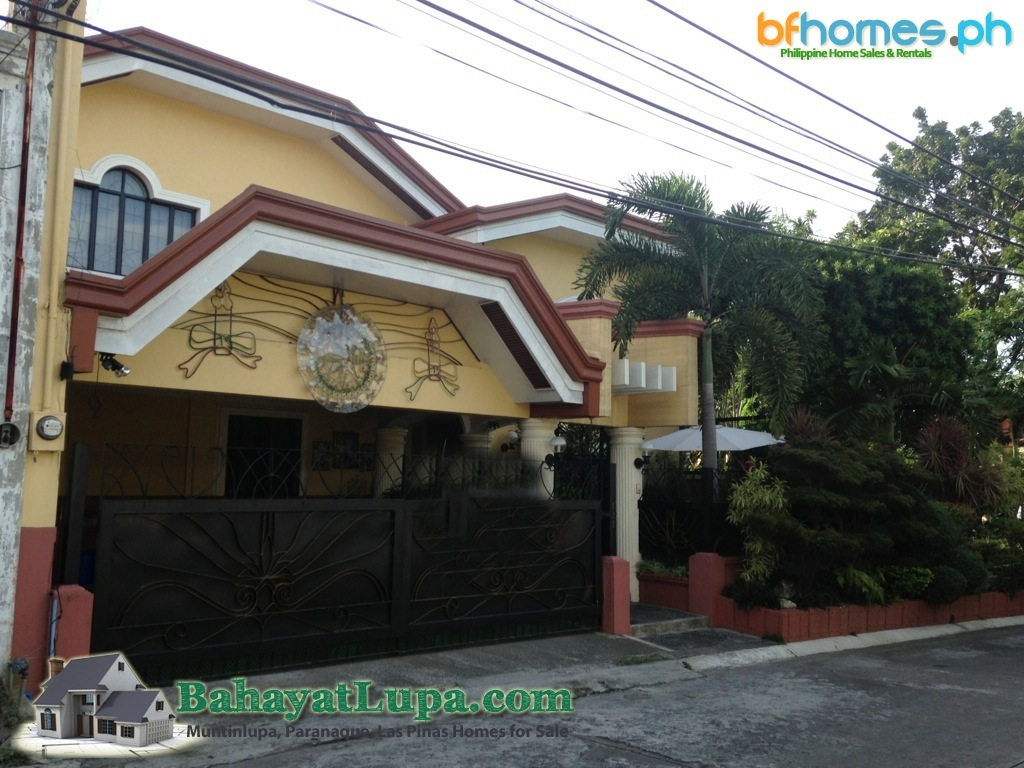 Philippine Homes for Sale, BF Homes Well Maintained corner House.