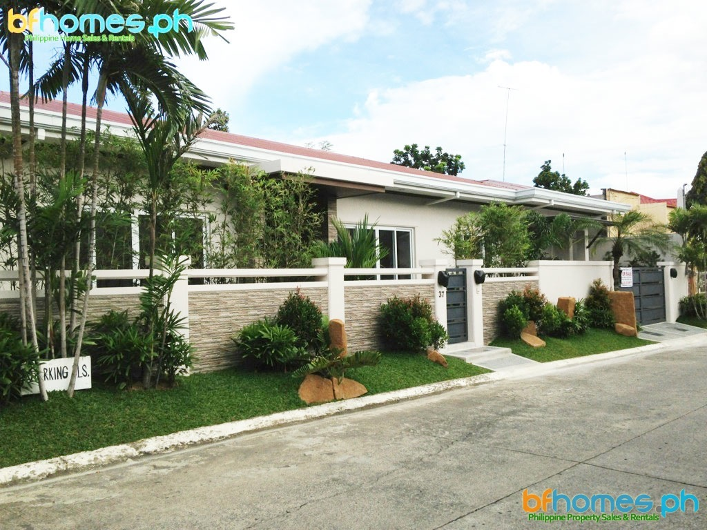 612sqm Bungalow for Sale in BF Homes.