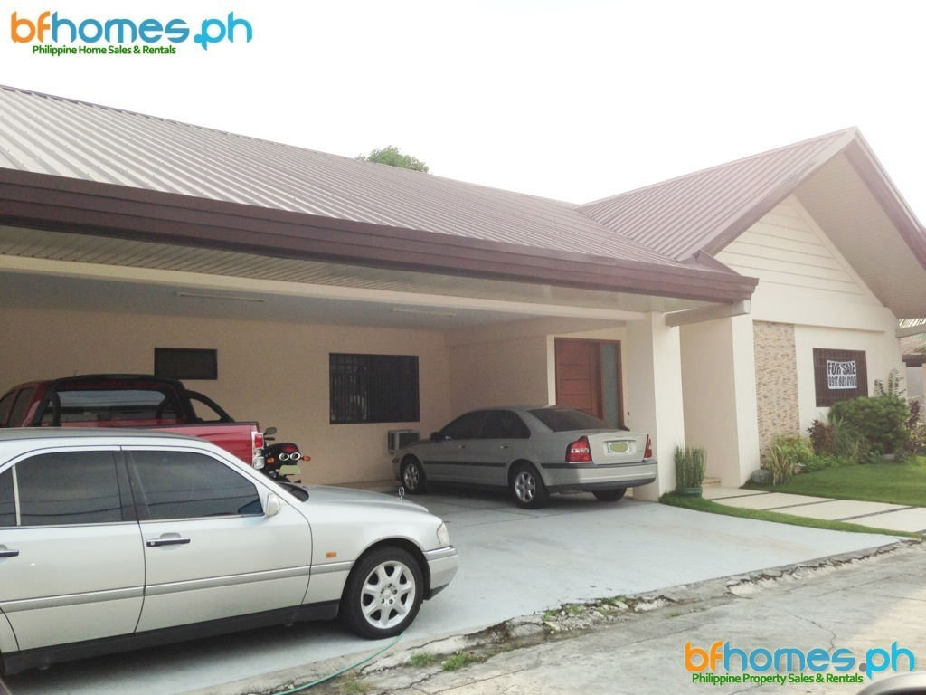 5 Bedrooms Bungalow for Sale in BF Homes Paranaque.