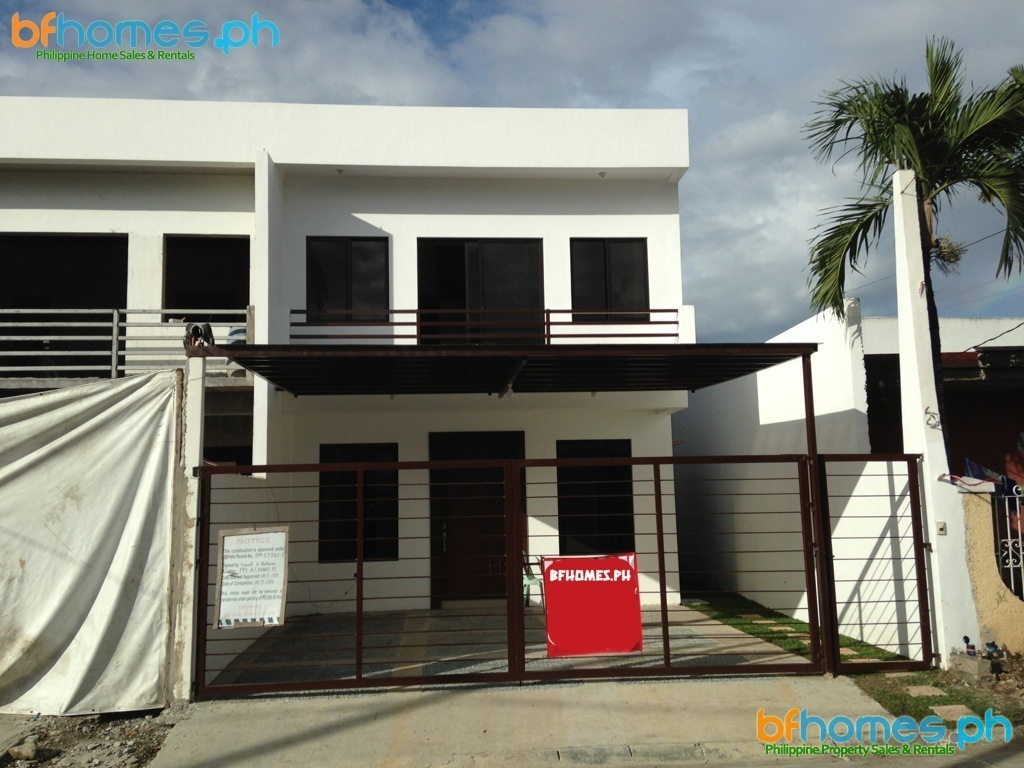 Brand-new Duplex for Sale in BF Homes Parañaque.