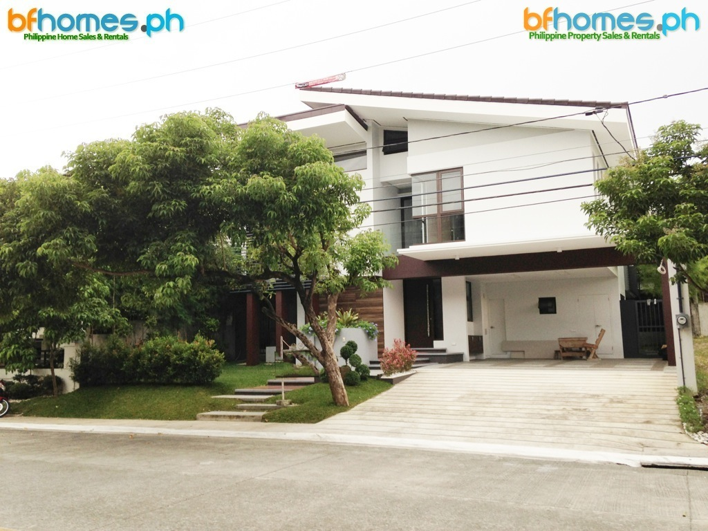For Sale: Newly Built House with Attic in Hillsborough Village Muntinlupa.