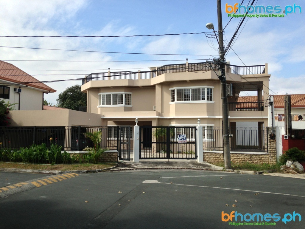 Alabang Hills Newly Renovated Semi Furnished House for Sale.